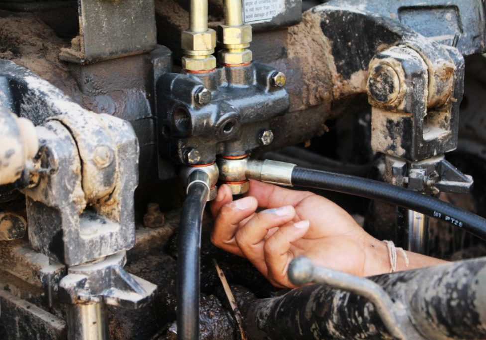 Hydraulic Hose Replacement